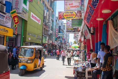 lk 科伦坡繁忙的街道 (Pixabay)
