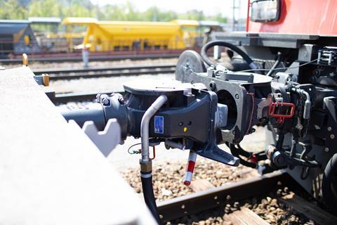 Delivery of a second batch of Voith CargoFlex automatic couplers for SBB Cargo's fleet of domestic intermodal wagons has begun.